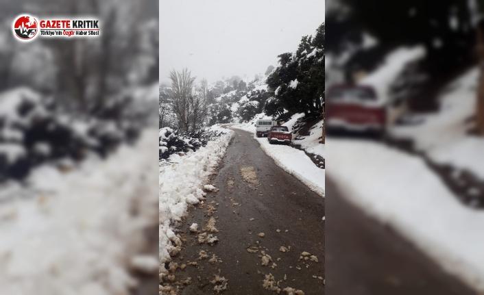 Konyaaltı Belediyesi Karla Kaplanan Yolları Açıyor