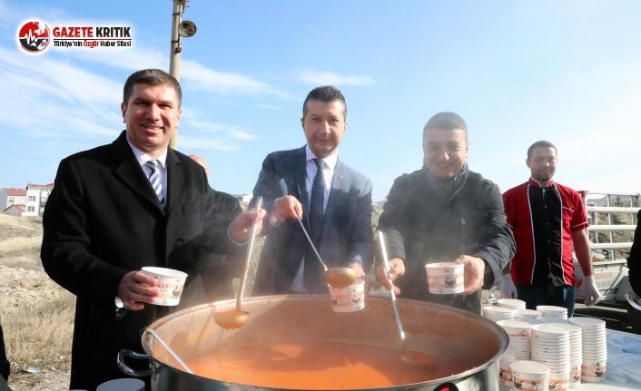 Başkan Ercengiz Sıcak Çorba Geleneğini Sürdürüyor