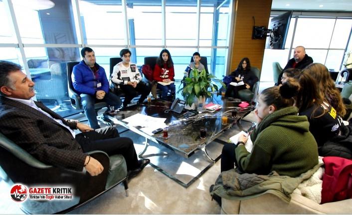 Bayraklı'da ortaokul öğrencileri çevreci projelerini Başkan Sandal'a anlattı