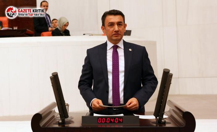 CHP'Lİ ÜNVER MECLİS KÜRSÜSÜNDE KARAMANLI...