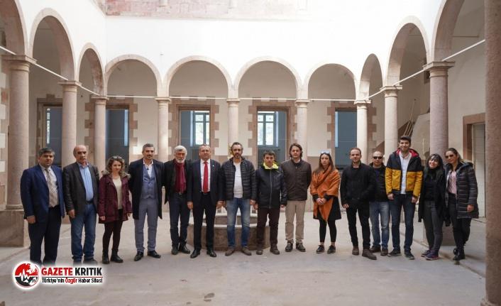 Ayvalık Belediye Başkanı Mesut Ergin,Anıtlar Kurulu ile Ayvalık'ta incelemelerde bulundu