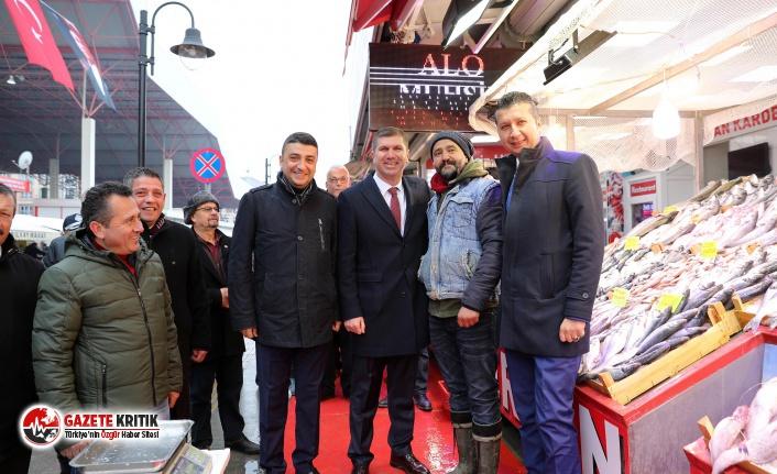 Başkan Ercengiz, Halk Pazarında Helva Dağıttı