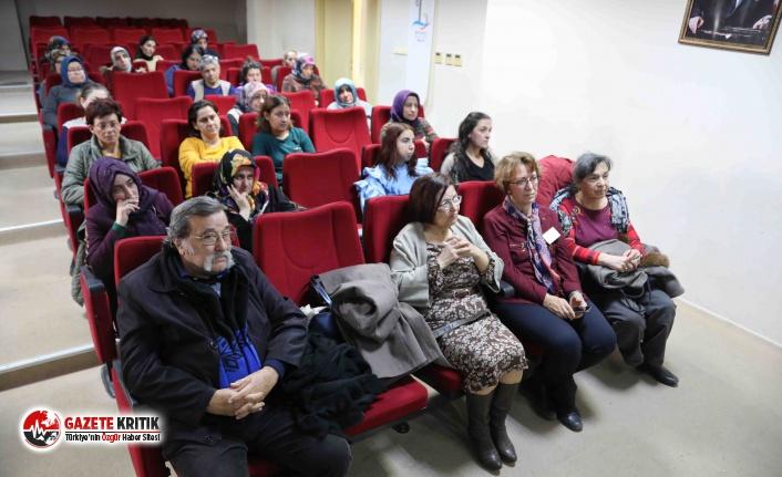 Bayraklı Belediyesi ailelere iletişim semineri düzenledi