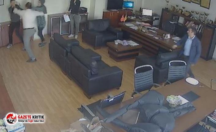 Bir veli, kızıyla tartışan öğrenciyi müdür odasında dövdü