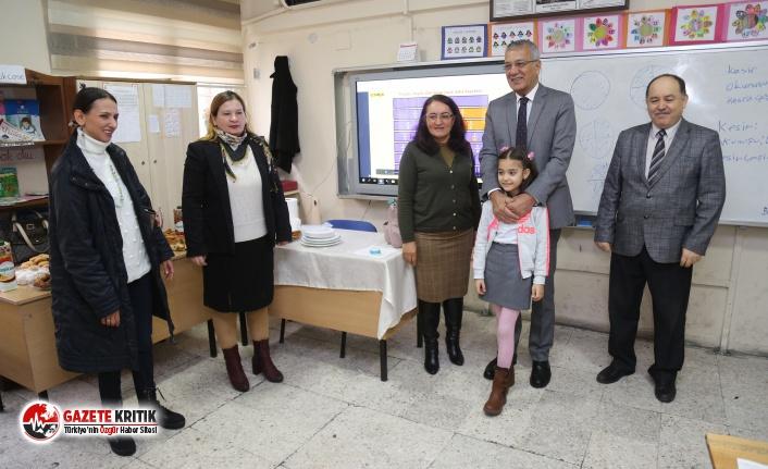 Özüm Ela davet etti, Başkan Tarhan sınıfına...