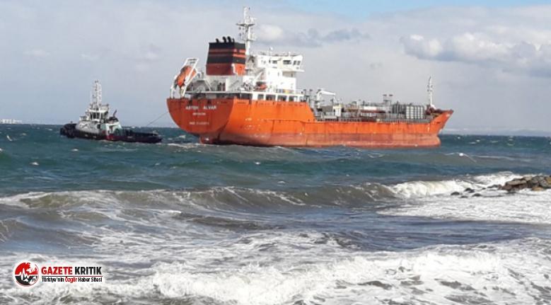Yalova'da petrol tankeri karaya oturdu