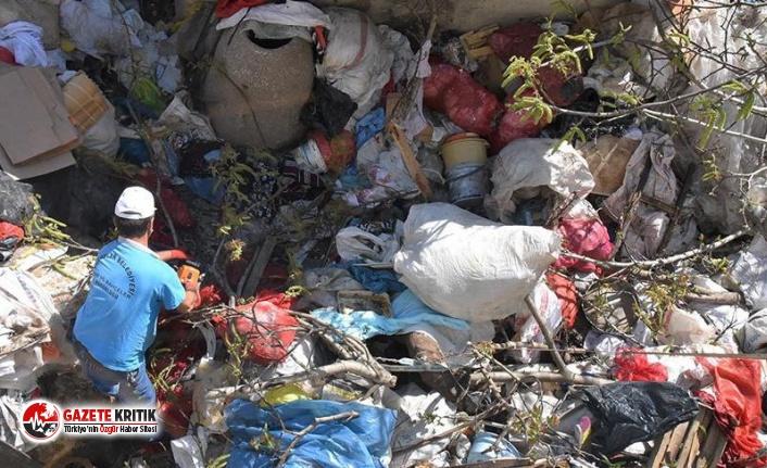 Evden Tam 15 Ton Çöp Çıktı