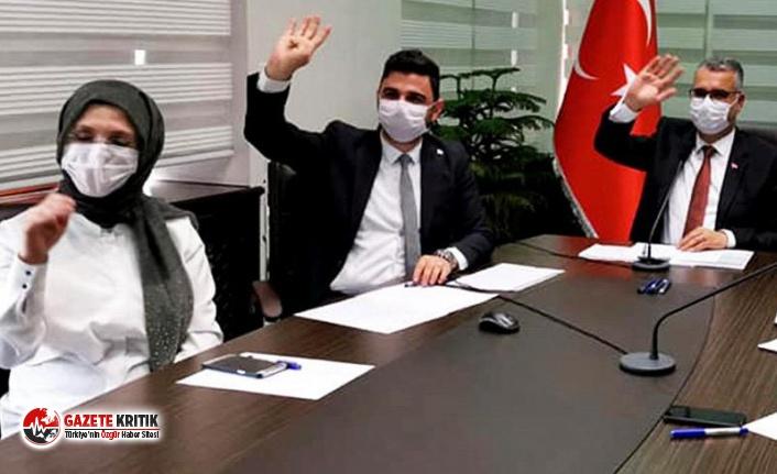 AKP'li Kadın Kolları Başkanı'na sert tepki:...