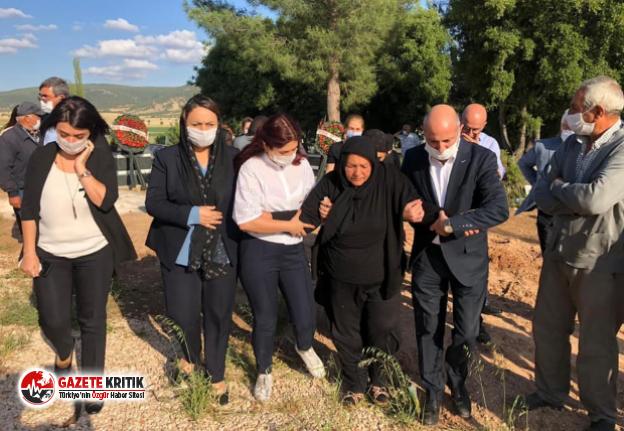 CHP Heyetinden Zeynep'in Ailesine Taziye Ziyareti;...