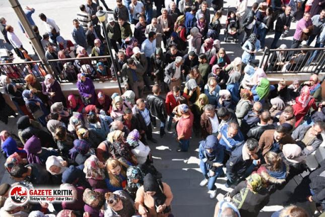 İŞKUR koronavirüse meydan okuyor: 500 kişi aynı...