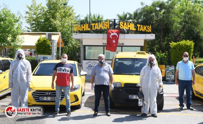 Konyaaltı, taksi ve taksi duraklarını dezenfekte...
