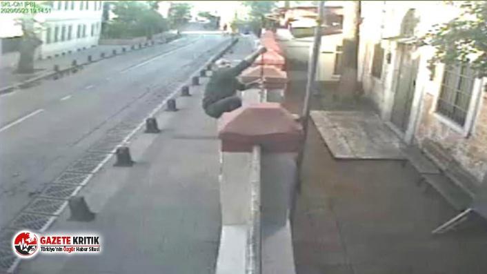 Kuzguncuk'ta kilise haçını söken şüpheli, adli kontrol şartıyla serbest bırakıldı