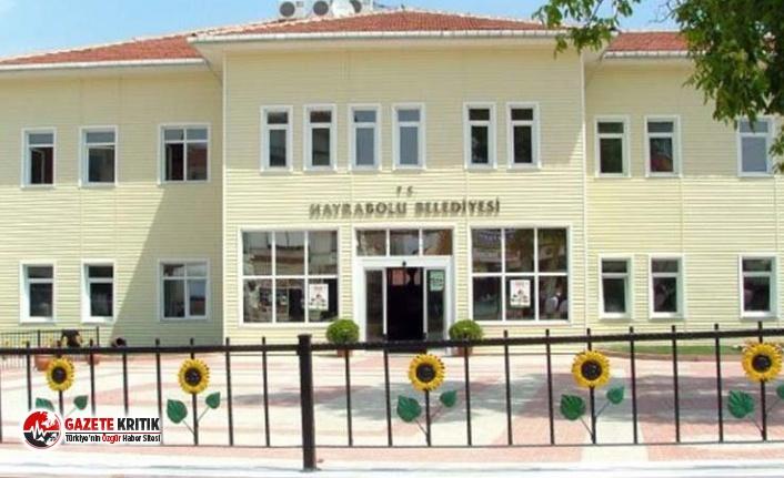 Maaşı azaltılan AKP'li Belediye Başkanı Yardımcısı, belediyeyi mahkemeye verdi