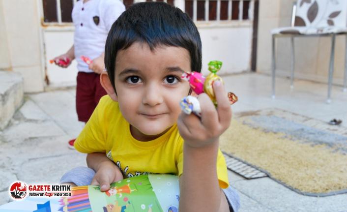 Yenişehir Belediyesi'nden çocuklara bayram şekeri