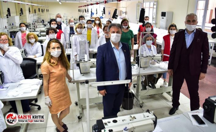 Bornova Belediyesi vatandaşa yarım milyon maske...