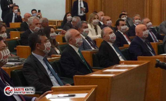 CHP grup toplantısında dikkat çeken görüntü