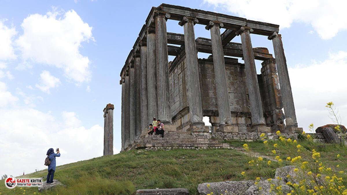 Dünya mirası Aizanoi'de binlerce yıl sonra taşlar yerine oturacak!