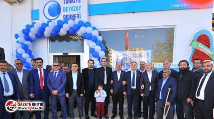 Erdoğan, AKP'lilerin yönetim kurulunda olduğu...