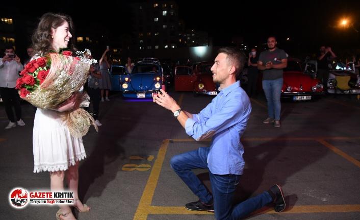 Konyaaltı'nda film arasında evlenme teklifi