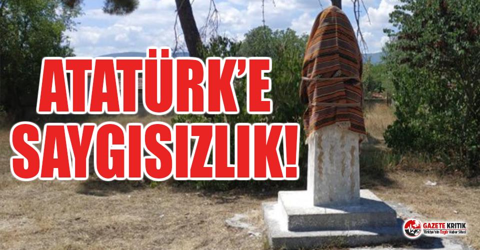 Cami olmasına rağmen okulun bahçesinde Atatürk...