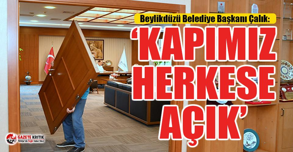 CHP'li Belediye Başkanı makam odasının kapısını...