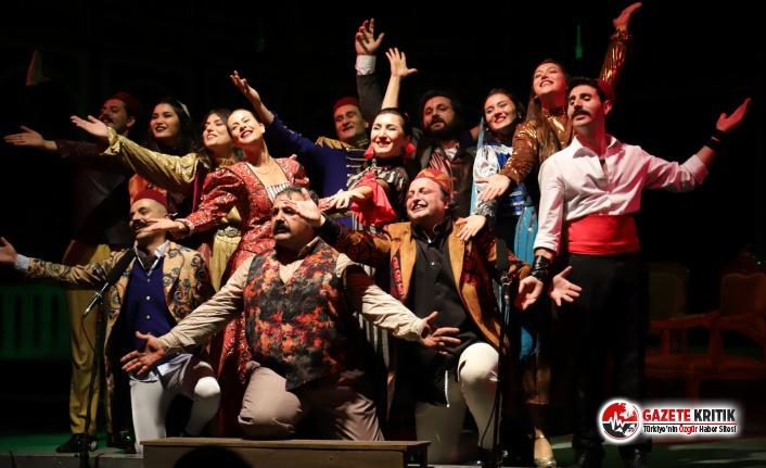 Bornova Belediyesi'nden sağlık kahramanlarına ücretsiz tiyatro keyfi