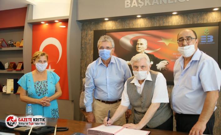 Sağdıç ailesi tarihi evi belediyeye bağışladı