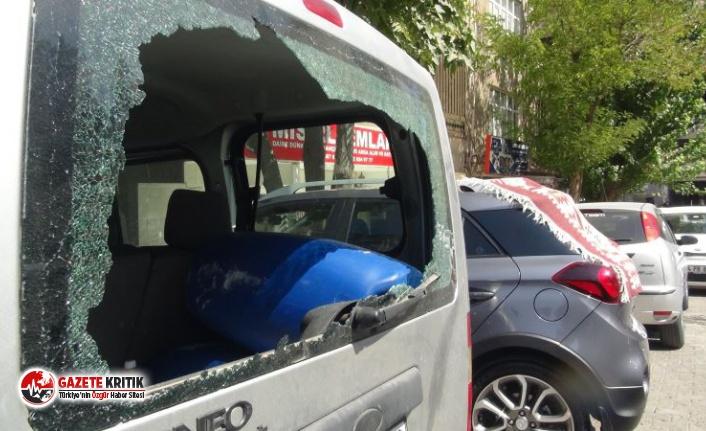 21 aracın camını sopayla kırdı,gözaltına alındı