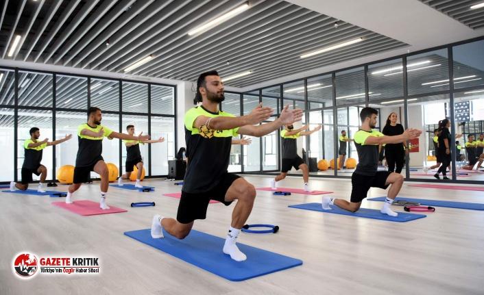 Aliağaspor FK Salonda Pilates Çalıştı