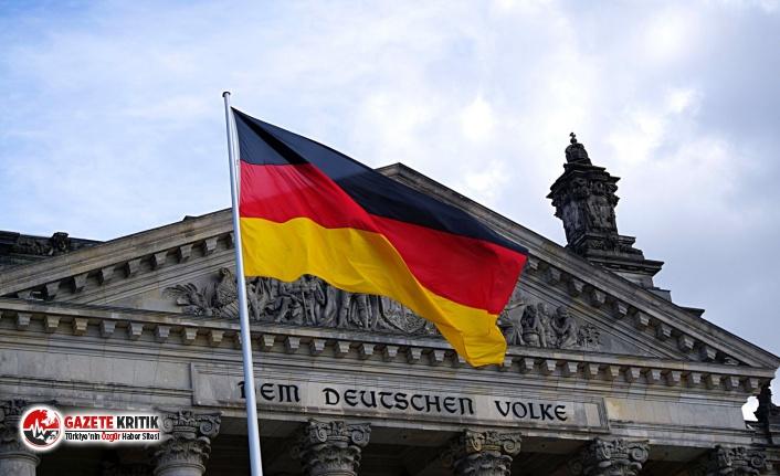 Almanya'da askeri istihbarat başkanı görevden...
