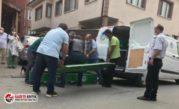 Ambulans şoförü, kendini iple asarak intihar etti