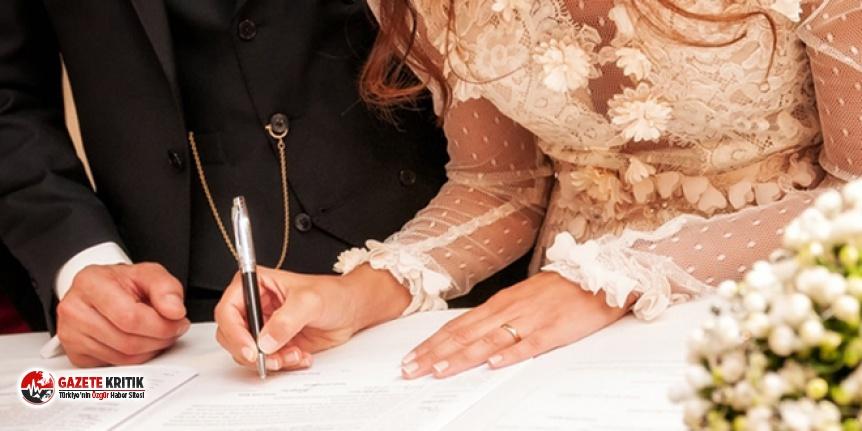 Antalya'da nikah törenlerine kamu görevlisi...