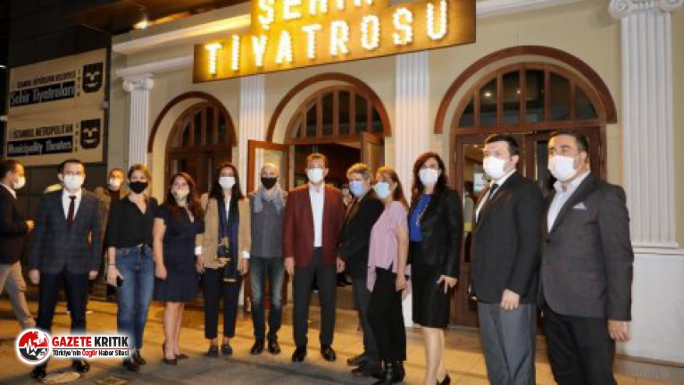Ekrem İmamoğlu, yeni sezonu açan Şehir Tiyatroları emekçilerini yalnız bırakmadı