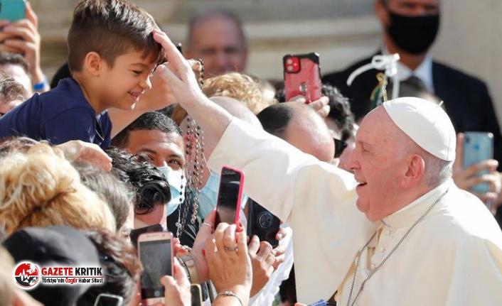 Papa yasakları unuttu: Maskesini çıkarıp çocukları...