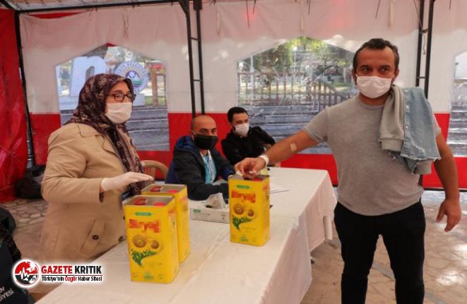 AKP'li belediyeden kan bağışı yapana 'ayçiçek...