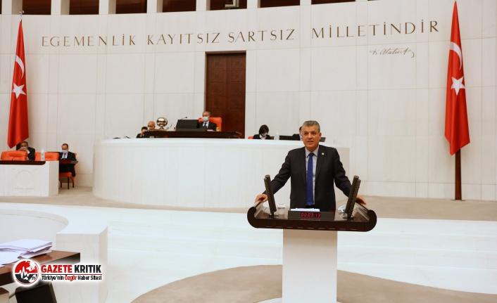 """CHP'li Ayhan Barut: """"Soruların yanıtlarının aynı şık olması tesadüf müdür?"""""""