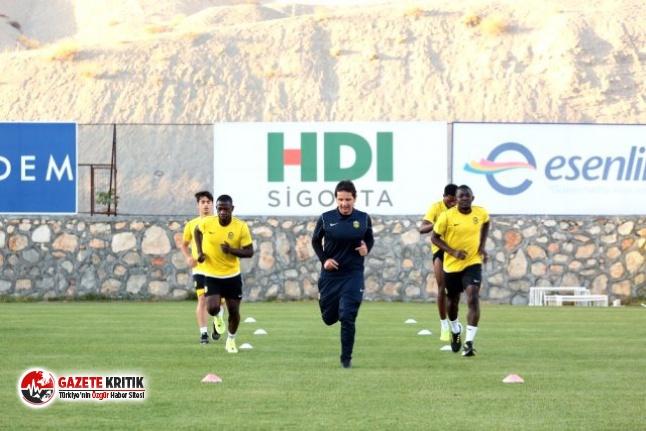 Yeni Malatyaspor'da 4 futbolcunun Koronavirüs...