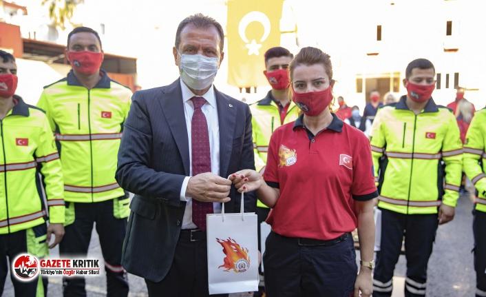 Başkan Seçer, İzmir'den dönen kahraman itfaiyecilerle...