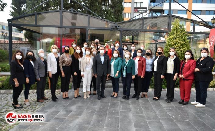 """CHP'li kadınlardan Başkan İduğ'a övgü: """"Yapılan..."""