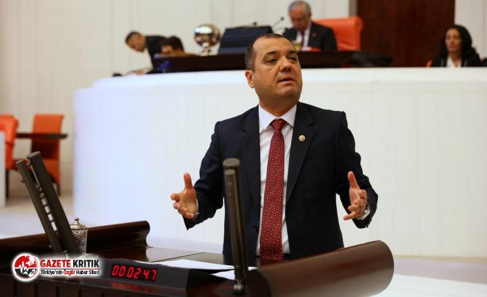 Türk Bayrağı Asmayan Müdürlere değil Astıran...