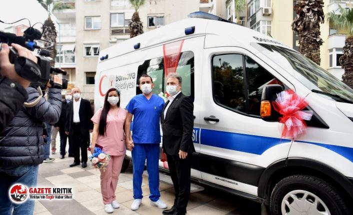 Doktor önlüğü gelinlik ve damatlık, ambulans...