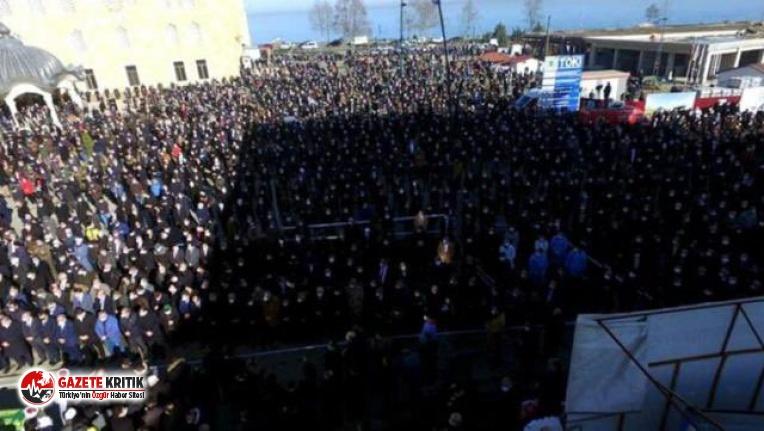 Koronadan ölen hocanın cenazesine binlerce kişi...