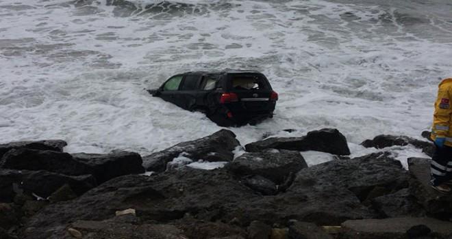 Trabzon'da cip denize uçtu: 2 yaralı