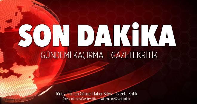 Kadıköy'de bir binanın yıkımı sırasında kaldırıma...