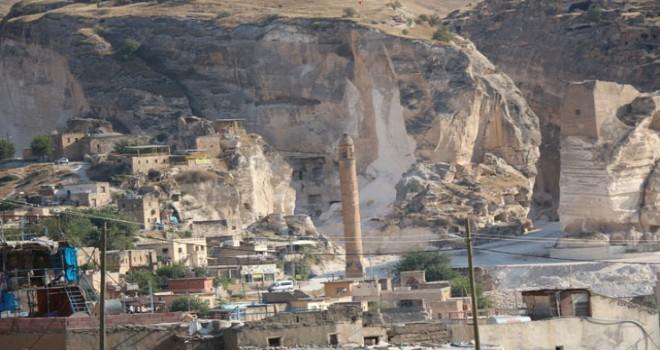 Hasankeyf'te 13'üncü yüzyıla ait ticaret merkezi...