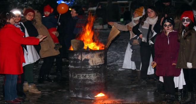 Balkanların 'koleda' geleneği Büyükmandıra'da...