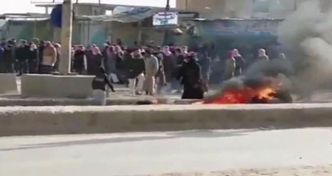 Rakka'da halk YPG/PKK'yı protesto etti