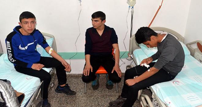 Kahramanmaraş'ta 20 öğrenci, dönerden zehirlendi