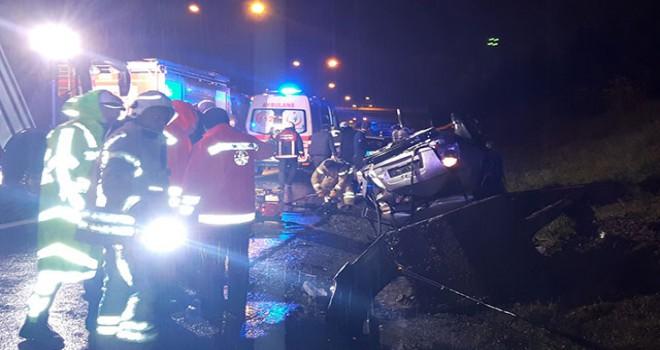TEM Otoyolu'nda otomobil takla attı: 5 yaralı