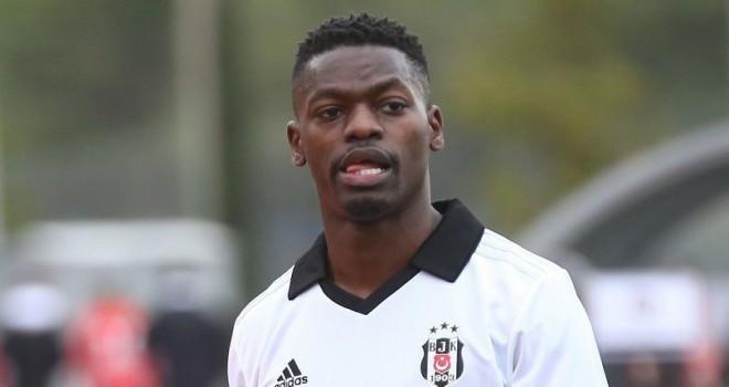 Yeni transfer Isimat-Mirin ilk kez Beşiktaş formasını...
